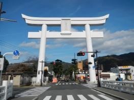 Huge torii gate on the way to Izumo Taisha