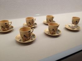 Intricately painted tea set (Shimane Art Museum)