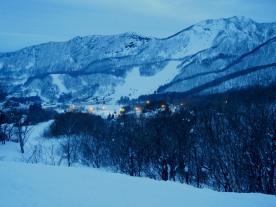 Evening descends on the slopes (Zao, Yamagata)