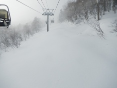 Great powder riding under the lift